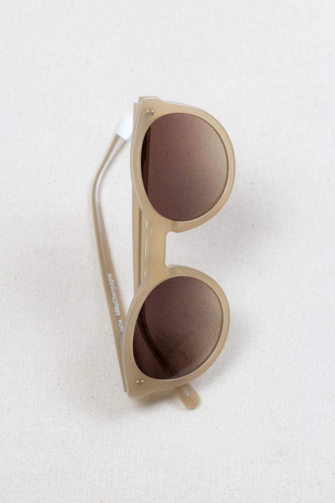 coco-friendly-accessoires-lunettes-darya-beiges-side