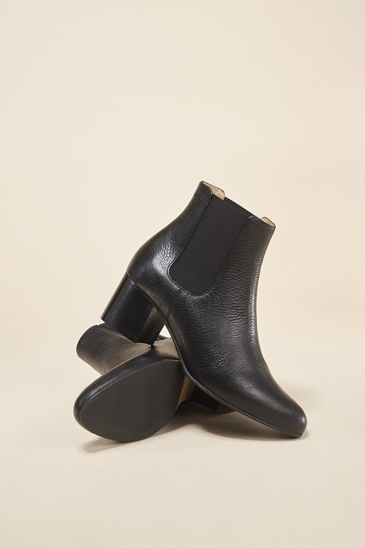 coco-friendly-bottines-cuir-graine-noir-camille
