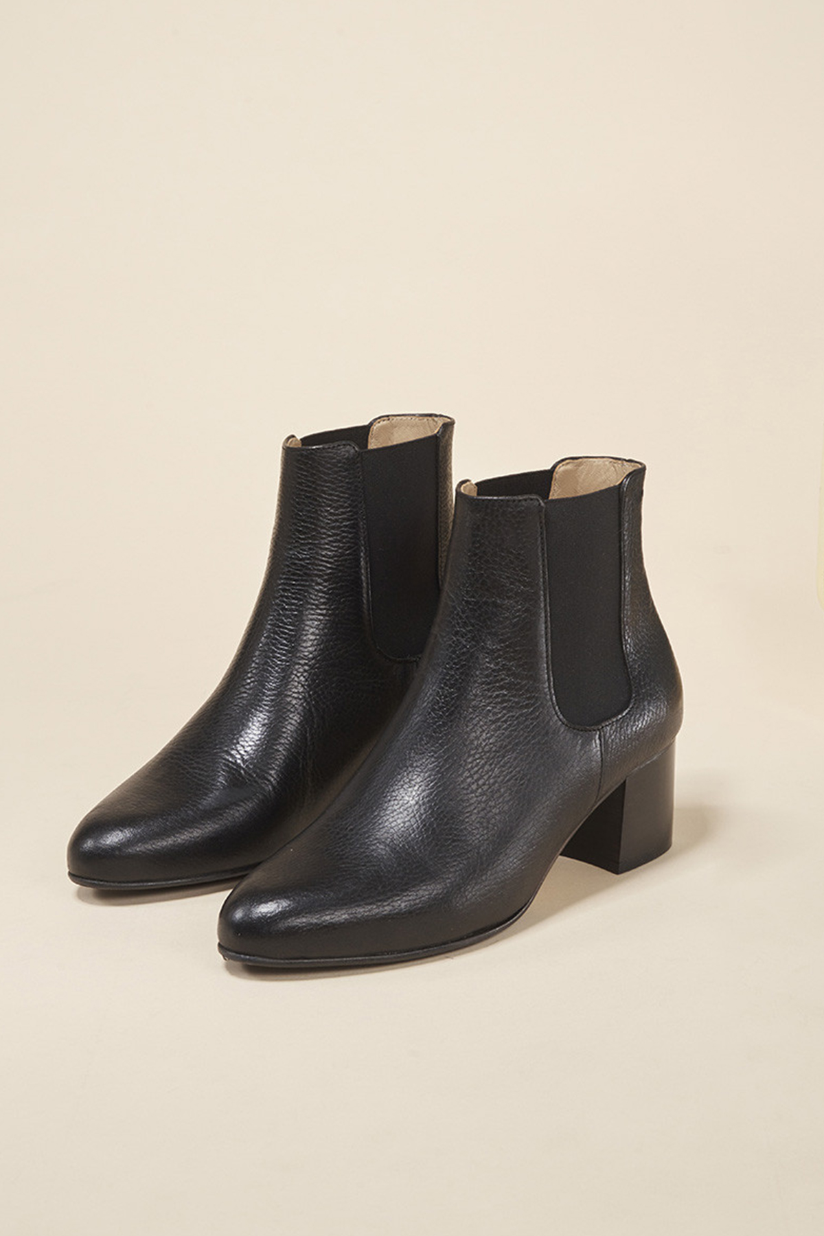 coco-friendly-bottines-cuir-graine-noir-talon